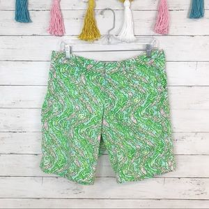 Lilly Pulitzer Avenue Short in Chomp Chomp Size 6